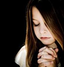 Girl in Prayer : Biblical Prayers for Healing : Petitioning